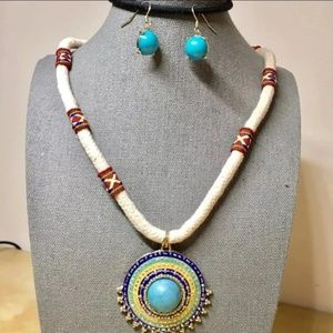 White n blue round pendant necklace n earrings set